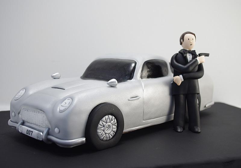 007 Aston Martin DB5 Cake
