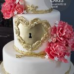 Gold heart lock wedding cake